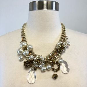 Jewelry - Chunky Gold Chandelier Costume Jewelry Necklace